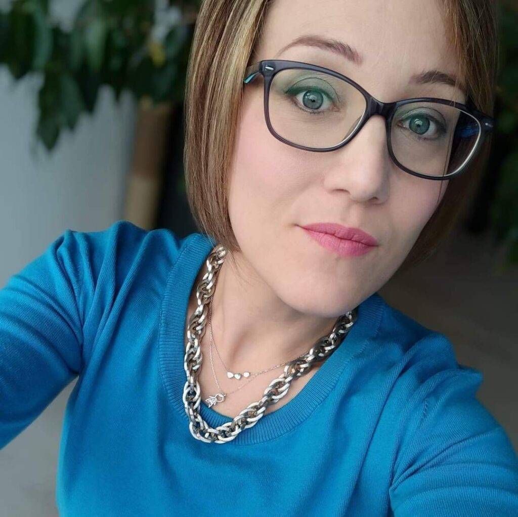 Lara, Estate Chiara (EC)